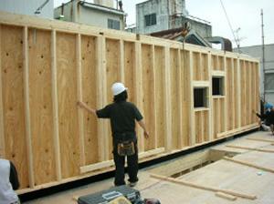ツーバイフォー工法は四角い枠組からなるシンプルな壁